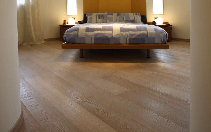camera-pavimento-legno