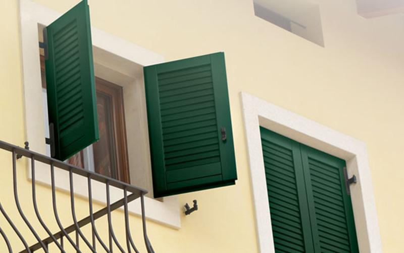 Prezzi scuri in alluminio preventivo persiana in - Scuri per finestre in alluminio prezzi ...